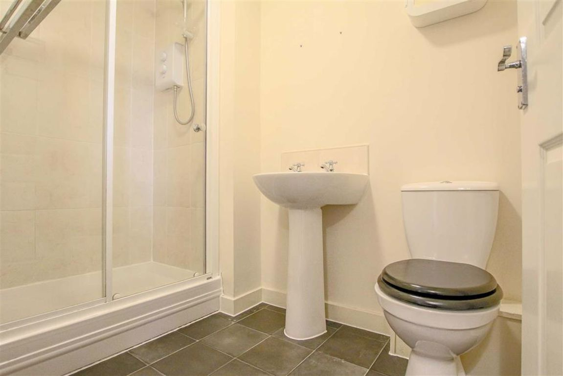 4 Bedroom Townhouse House For Sale - Image 14