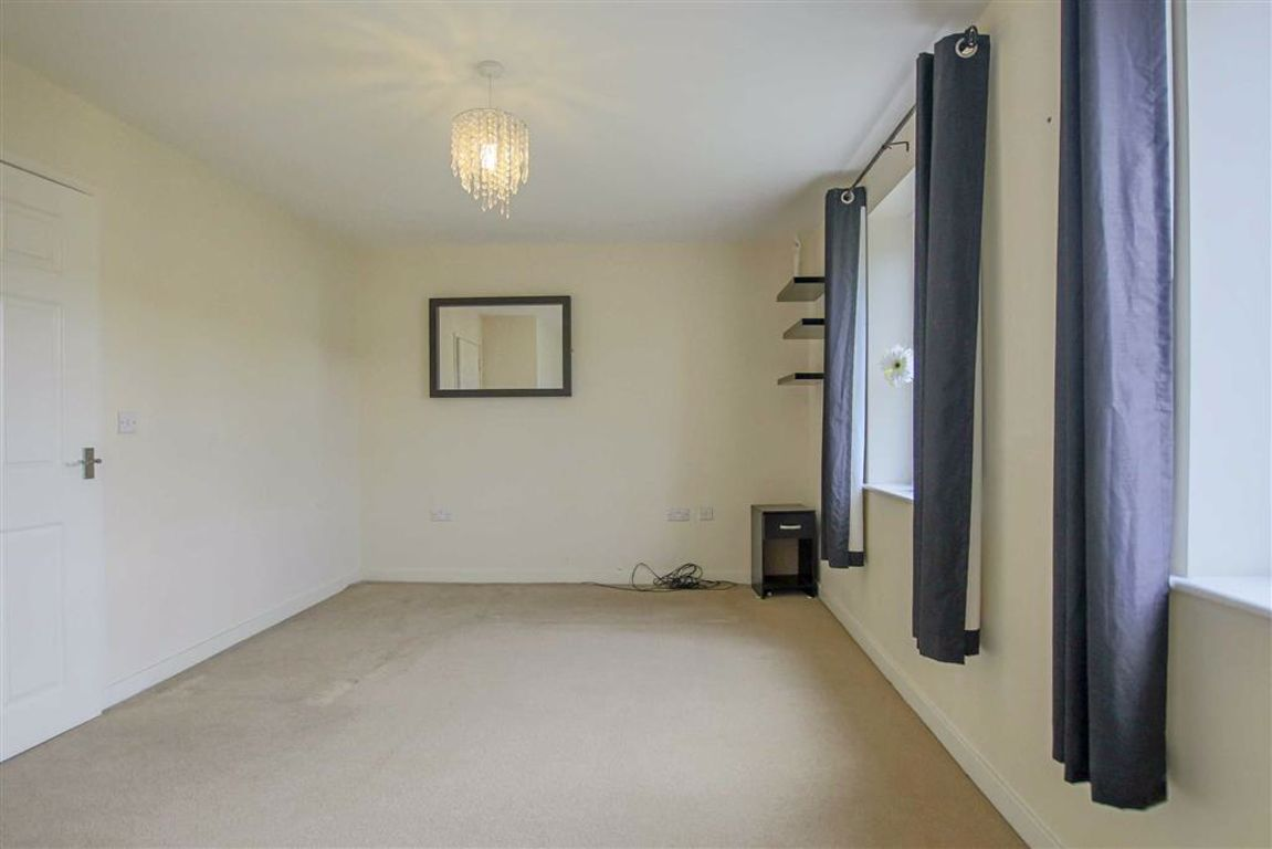 4 Bedroom Townhouse House For Sale - Image 12