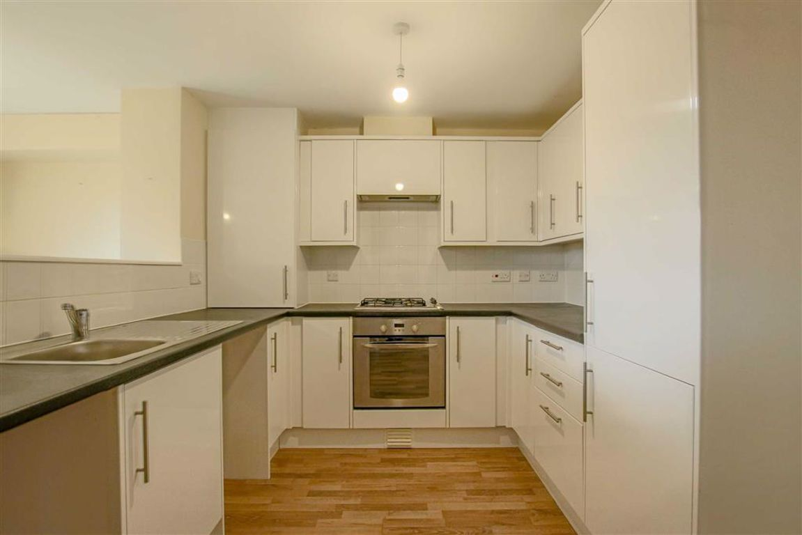 4 Bedroom Townhouse House For Sale - Main Image
