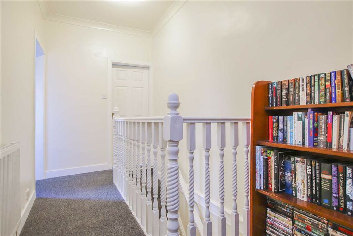 2 Bedroom Mid Terrace House For Sale - Image 11