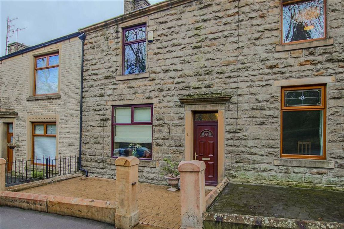 2 Bedroom Mid Terrace House For Sale - Image 10