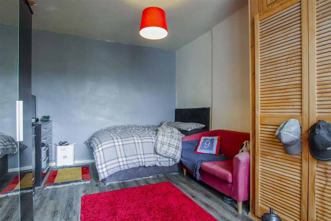 2 Bedroom Mid Terrace House For Sale - Image 7