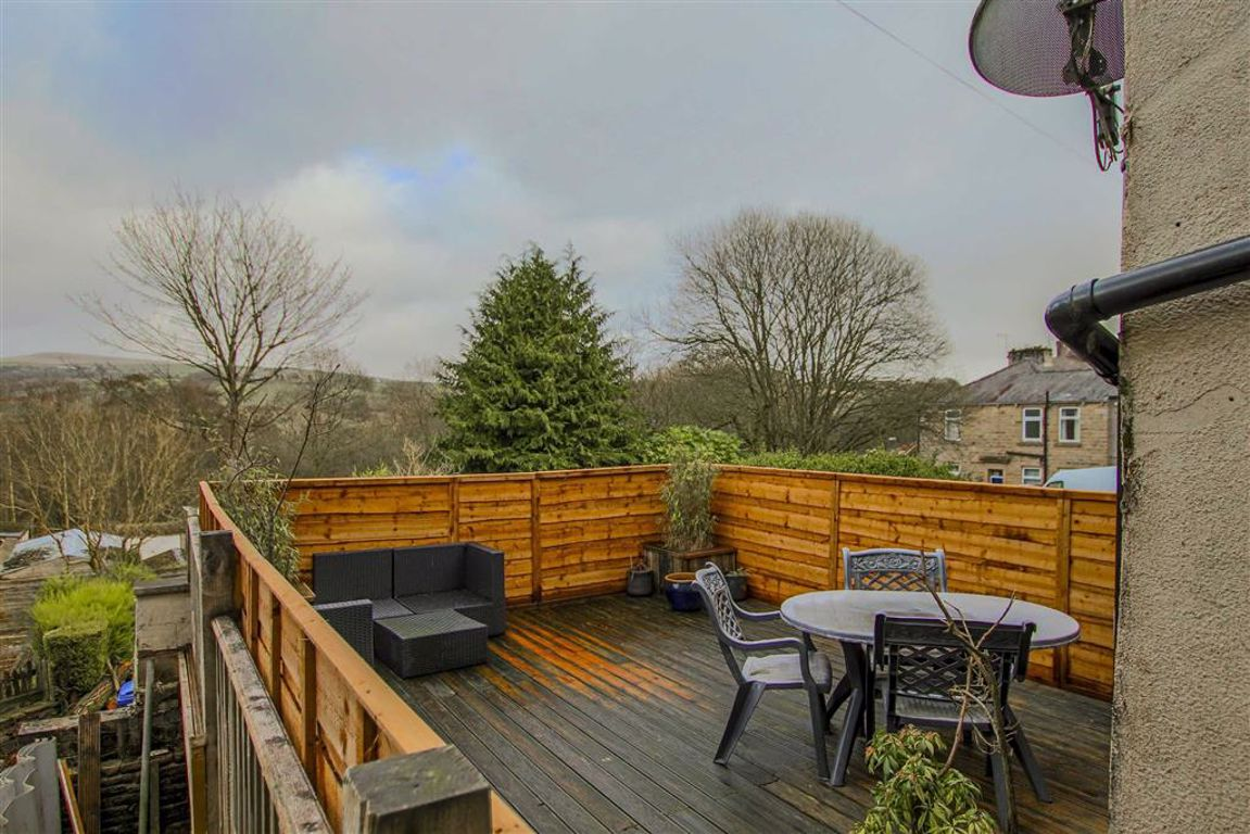 2 Bedroom Mid Terrace House For Sale - Image 19