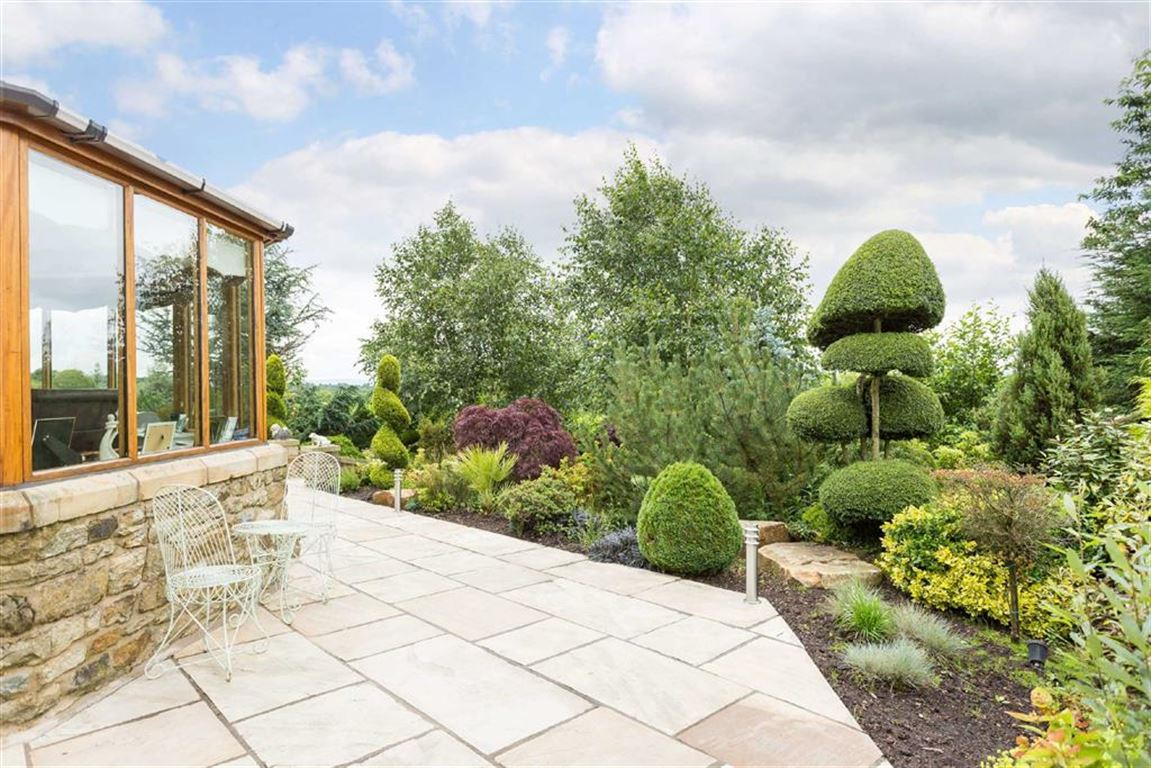 6 Bedroom Detached House For Sale - Image 37