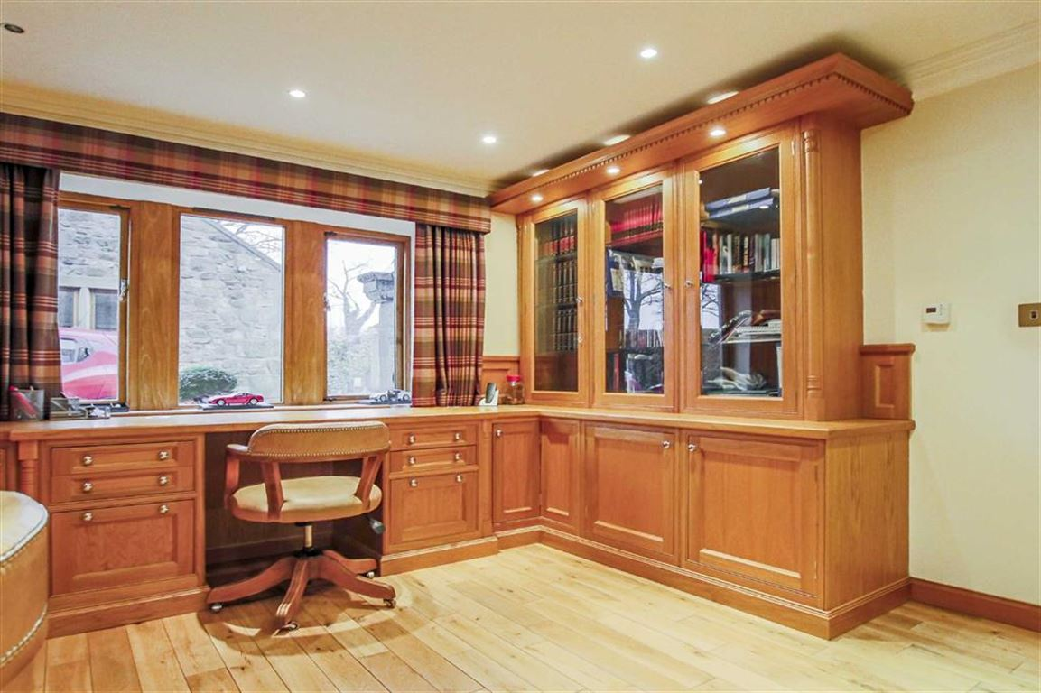 6 Bedroom Detached House For Sale - Image 9