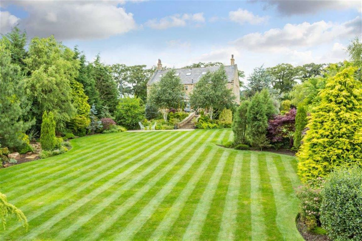 6 Bedroom Detached House For Sale - Image 55