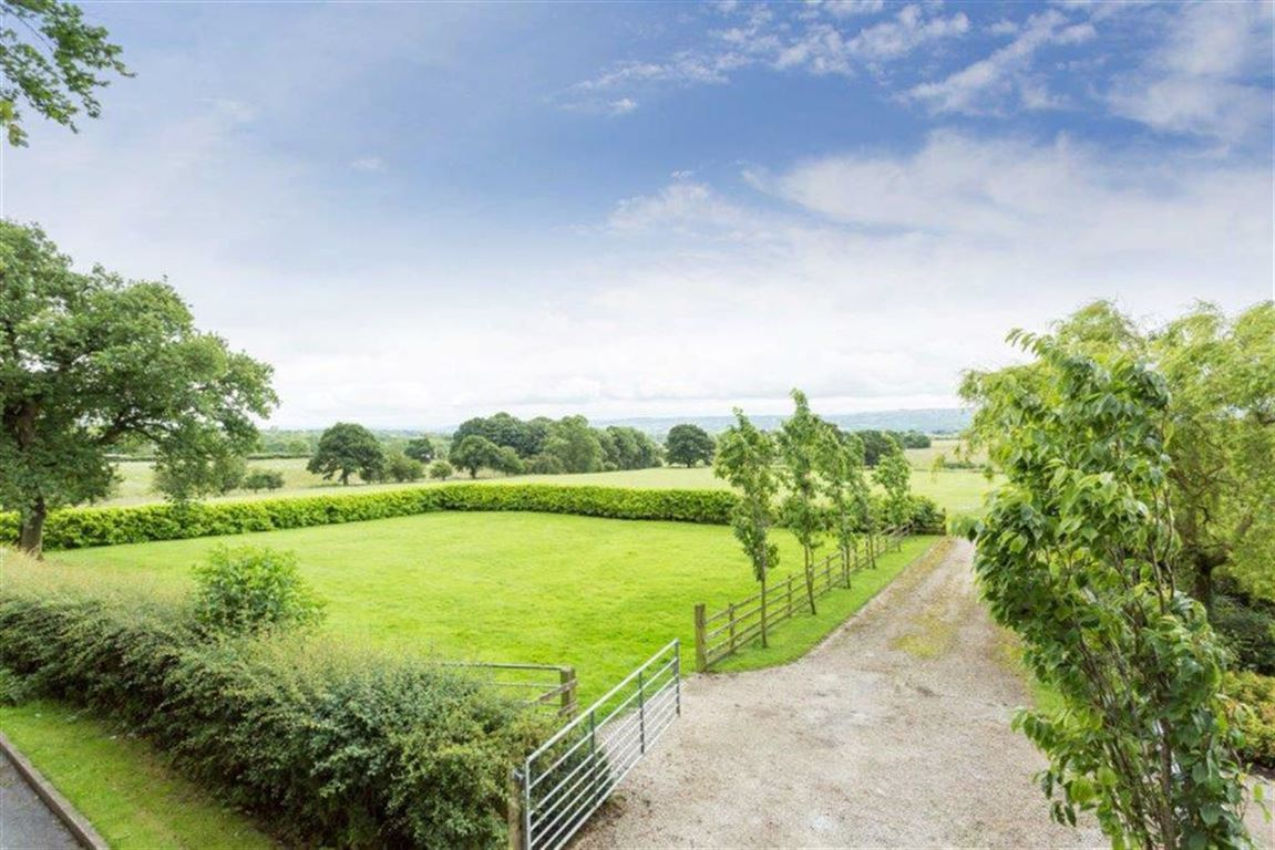 6 Bedroom Detached House For Sale - Image 45