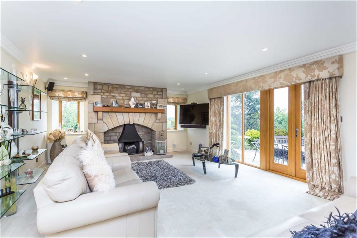6 Bedroom Detached House For Sale - Image 43