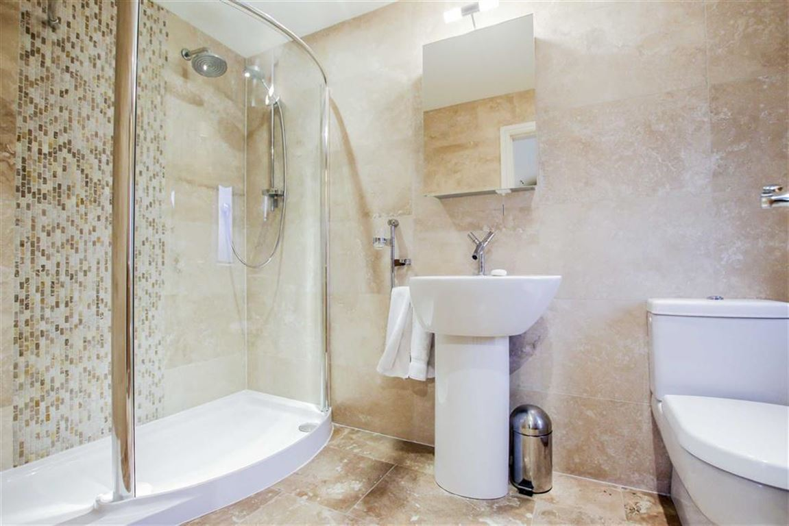 6 Bedroom Detached House For Sale - Image 13