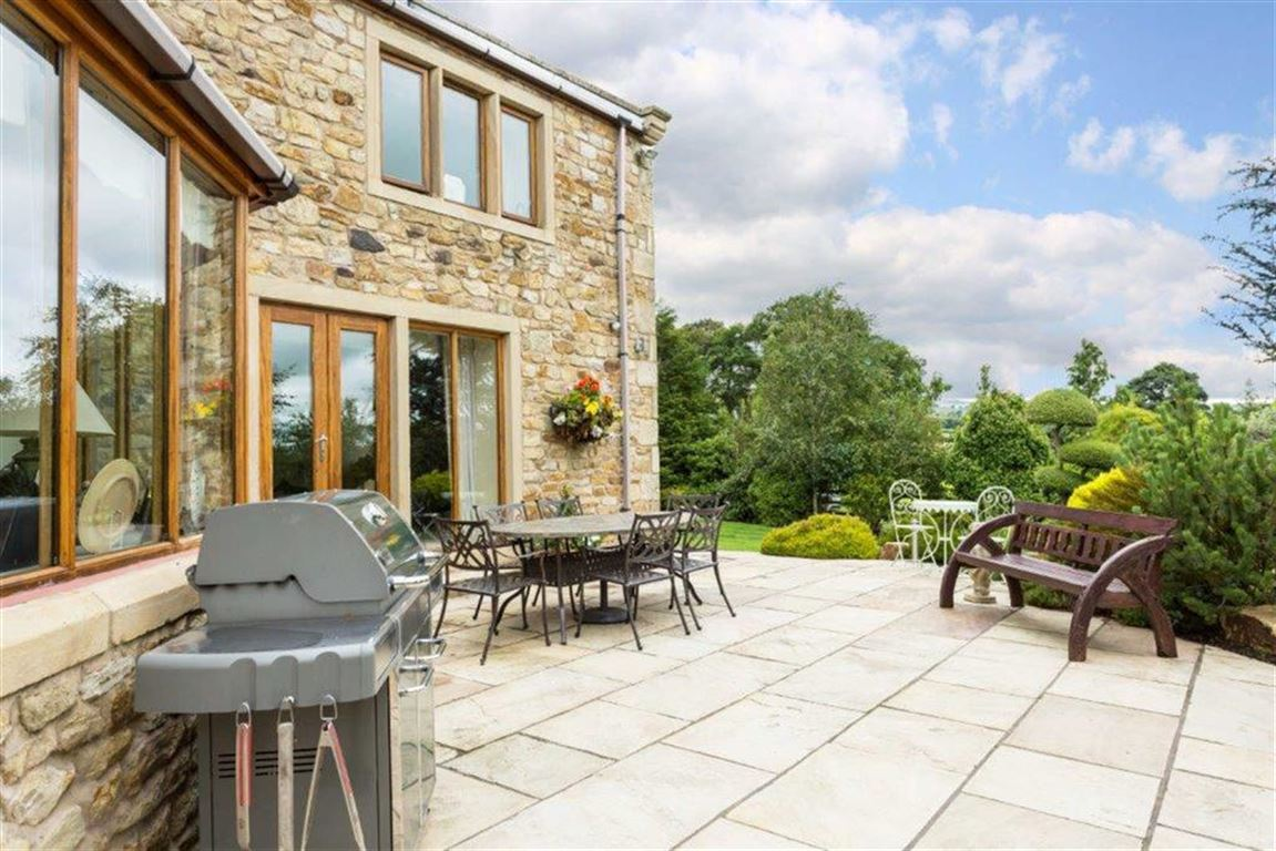 6 Bedroom Detached House For Sale - Image 57