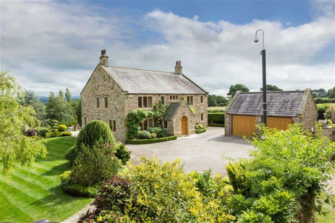 6 Bedroom Detached House For Sale - Image 2