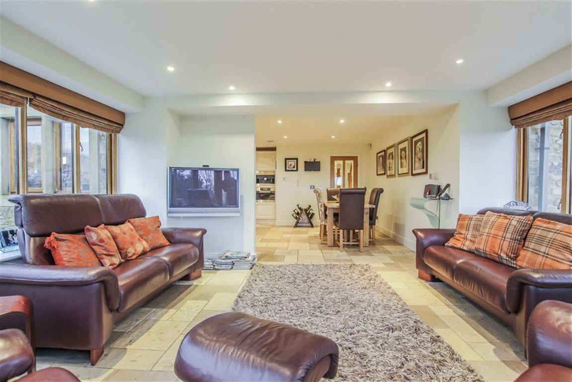 6 Bedroom Detached House For Sale - Image 26