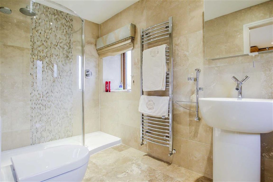 6 Bedroom Detached House For Sale - Image 31