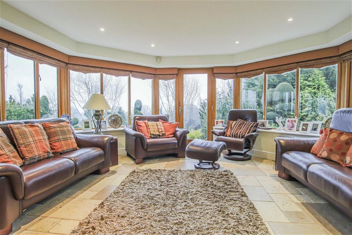 6 Bedroom Detached House For Sale - Image 8