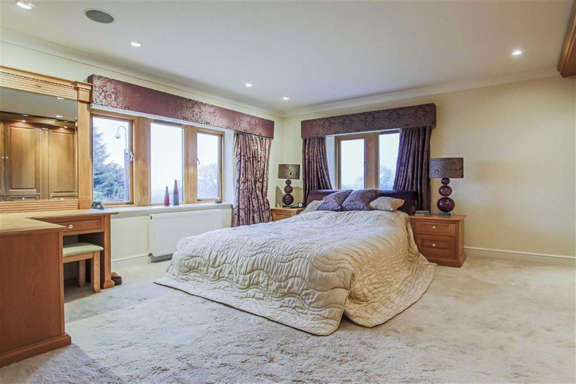 6 Bedroom Detached House For Sale - Image 16