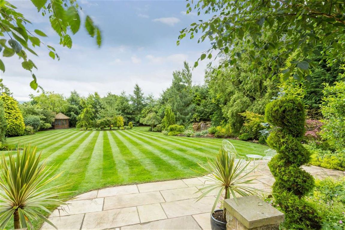 6 Bedroom Detached House For Sale - Image 34