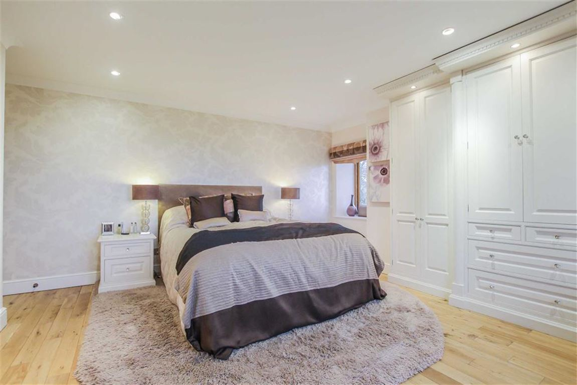 6 Bedroom Detached House For Sale - Image 5
