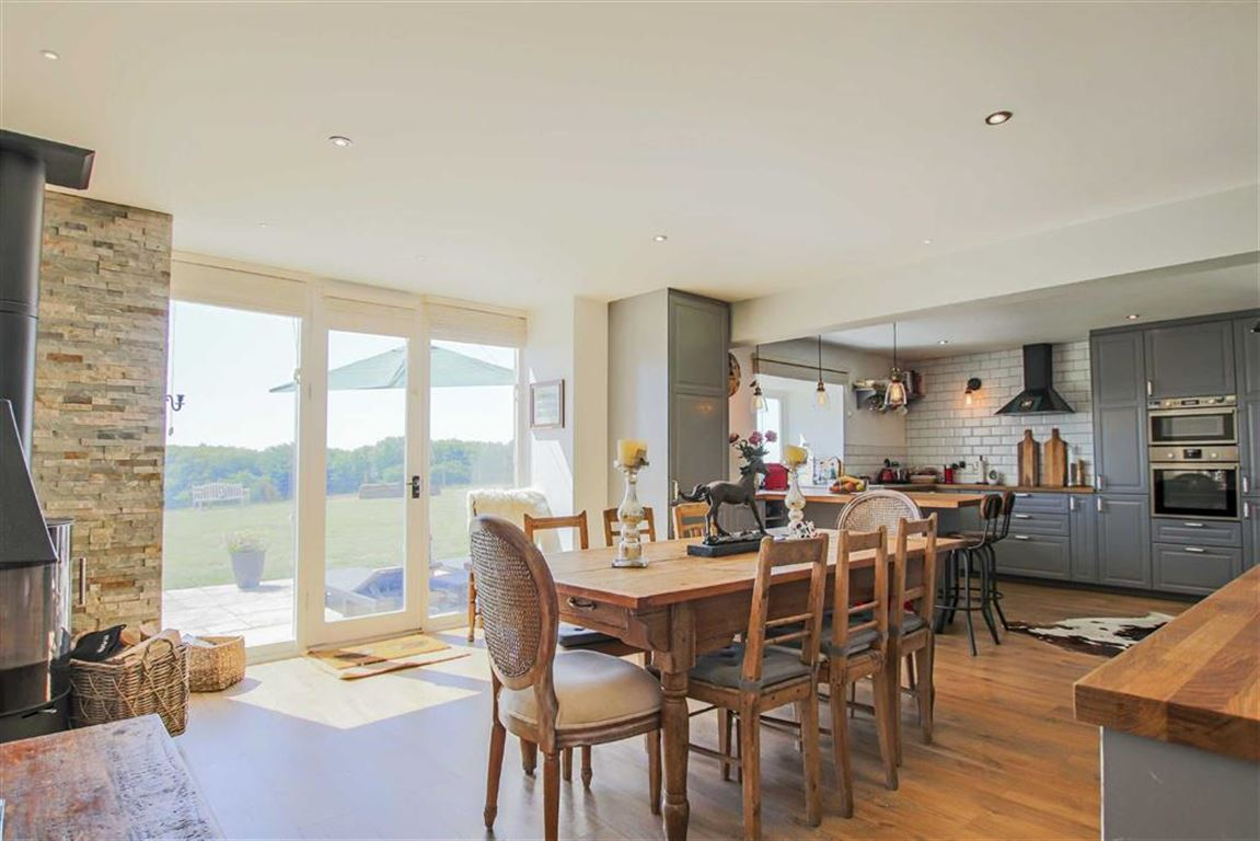4 Bedroom Barn Conversion For Sale - Image 3