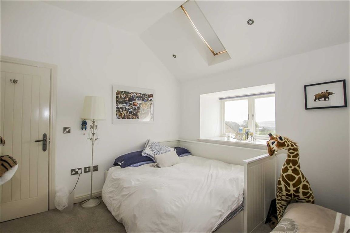 4 Bedroom Barn Conversion For Sale - Image 18