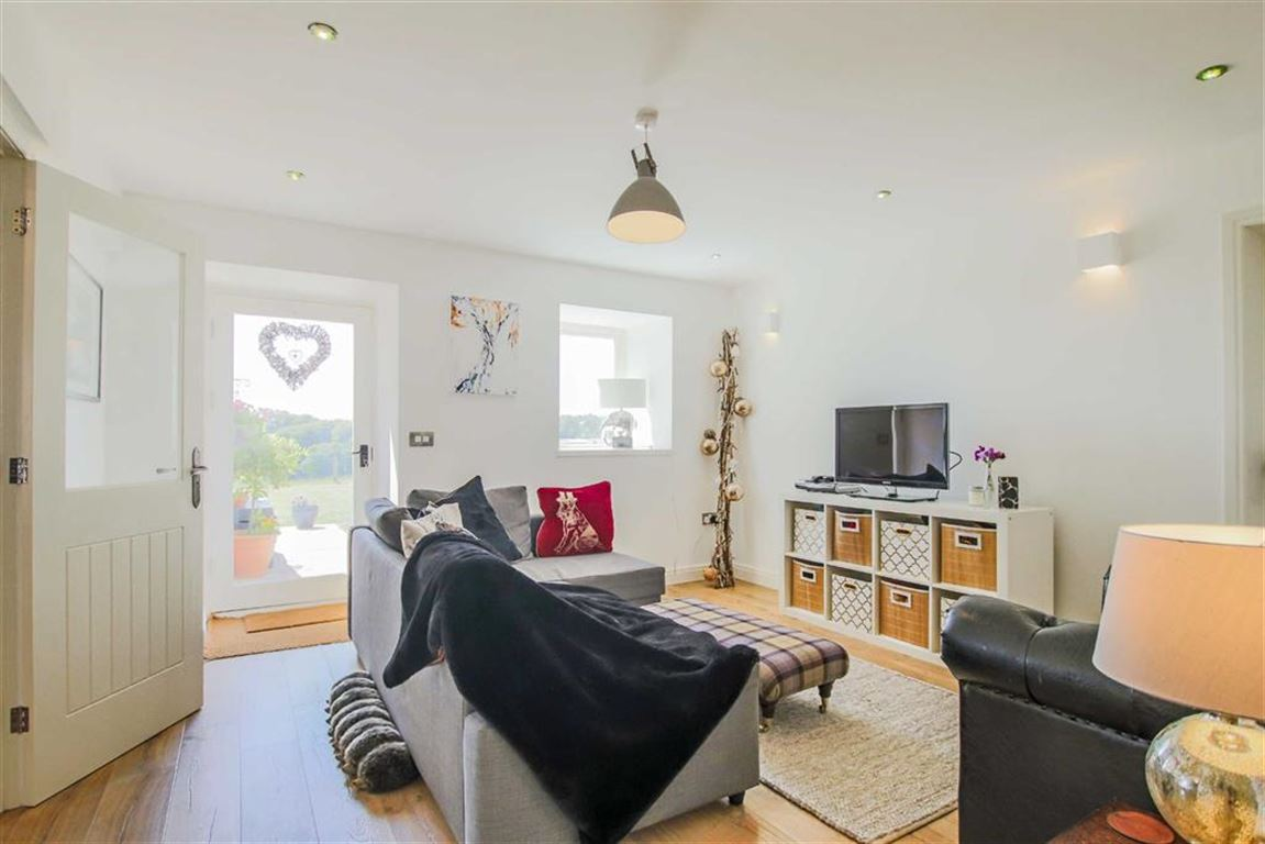 4 Bedroom Barn Conversion For Sale - Image 40