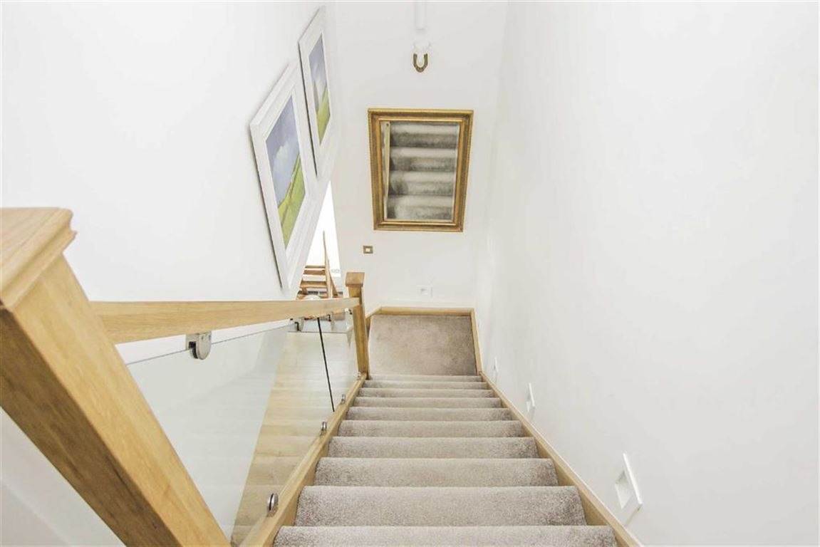 4 Bedroom Barn Conversion For Sale - Image 43