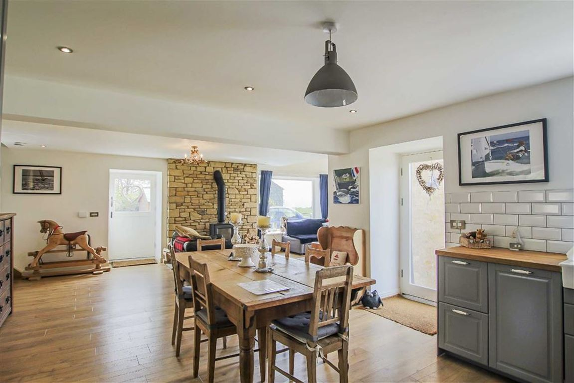 4 Bedroom Barn Conversion For Sale - Image 44