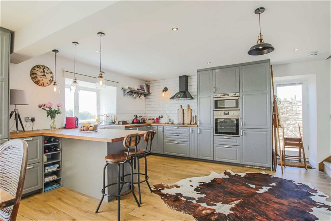 4 Bedroom Barn Conversion For Sale - Image 5