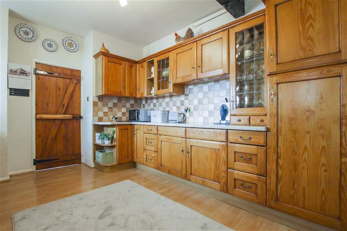 5 Bedroom Farmhouse For Sale - Image 24