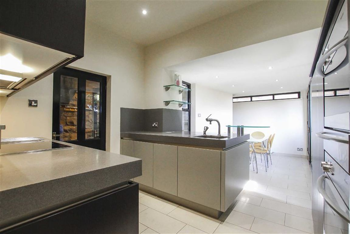 2 Bedroom Detached House For Sale - Image 3