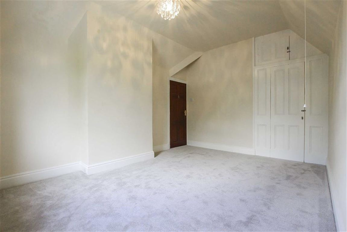 2 Bedroom Detached House For Sale - Image 5