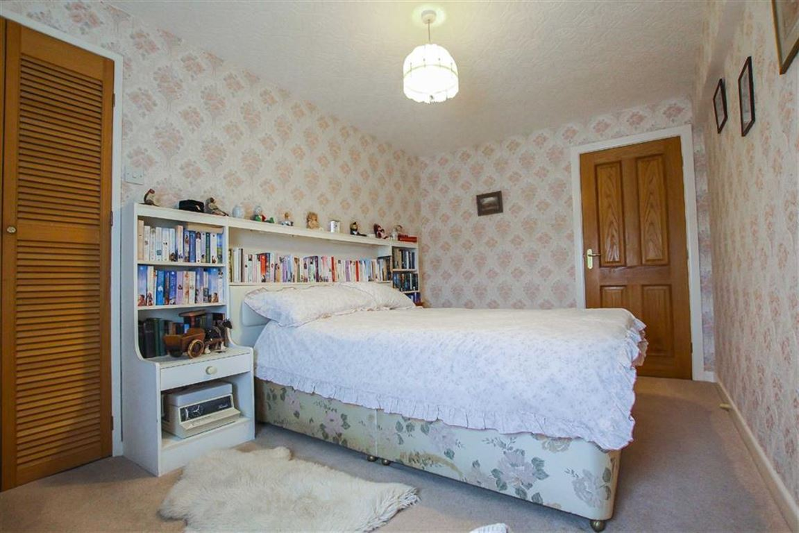 5 Bedroom Farmhouse For Sale - Image 12