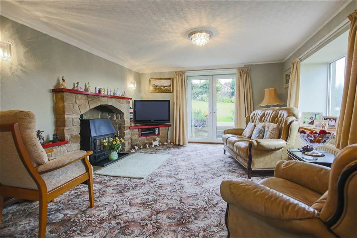 5 Bedroom Farmhouse For Sale - Image 4