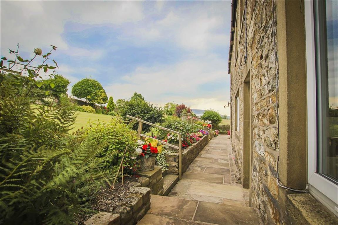 5 Bedroom Farmhouse For Sale - Image 8