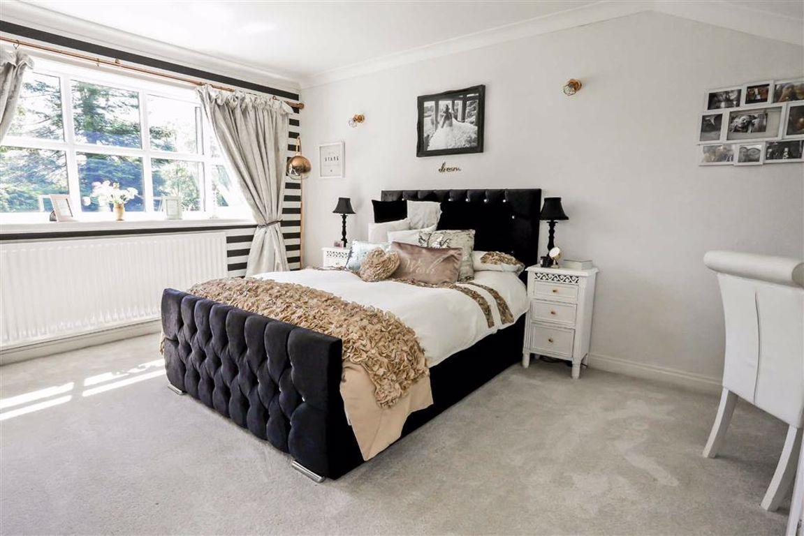 5 Bedroom Detached House For Sale - Image 5