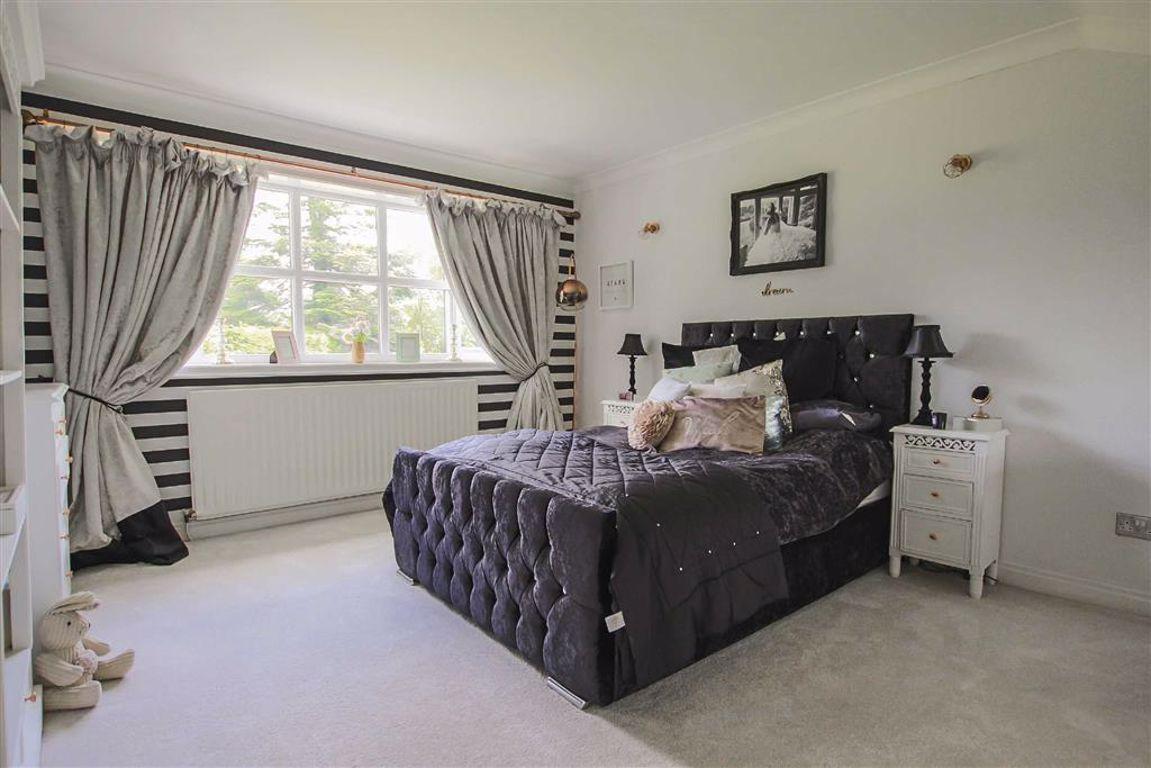 5 Bedroom Detached House For Sale - Image 22