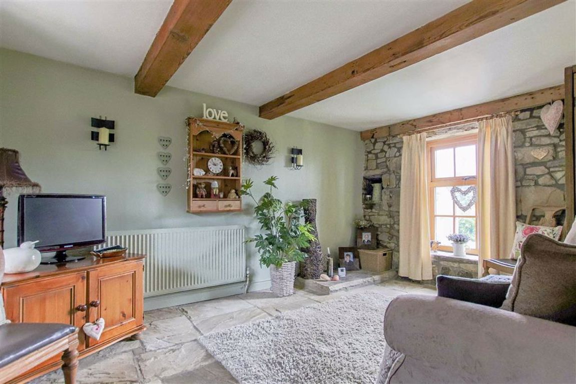 4 Bedroom Farmhouse For Sale - Image 10