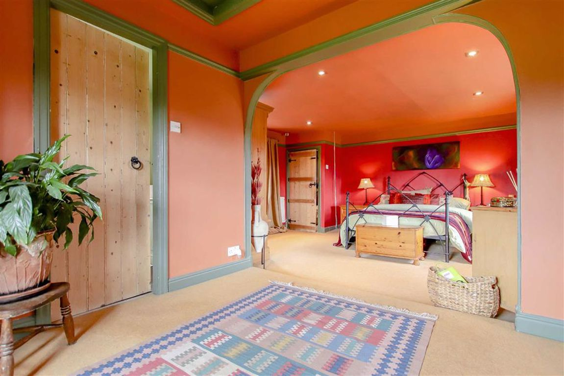 4 Bedroom Farmhouse For Sale - Image 11
