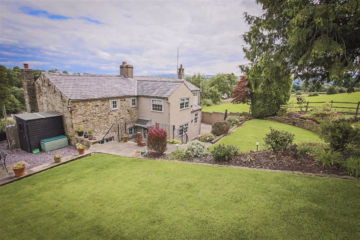 4 Bedroom Farmhouse For Sale - Image 19