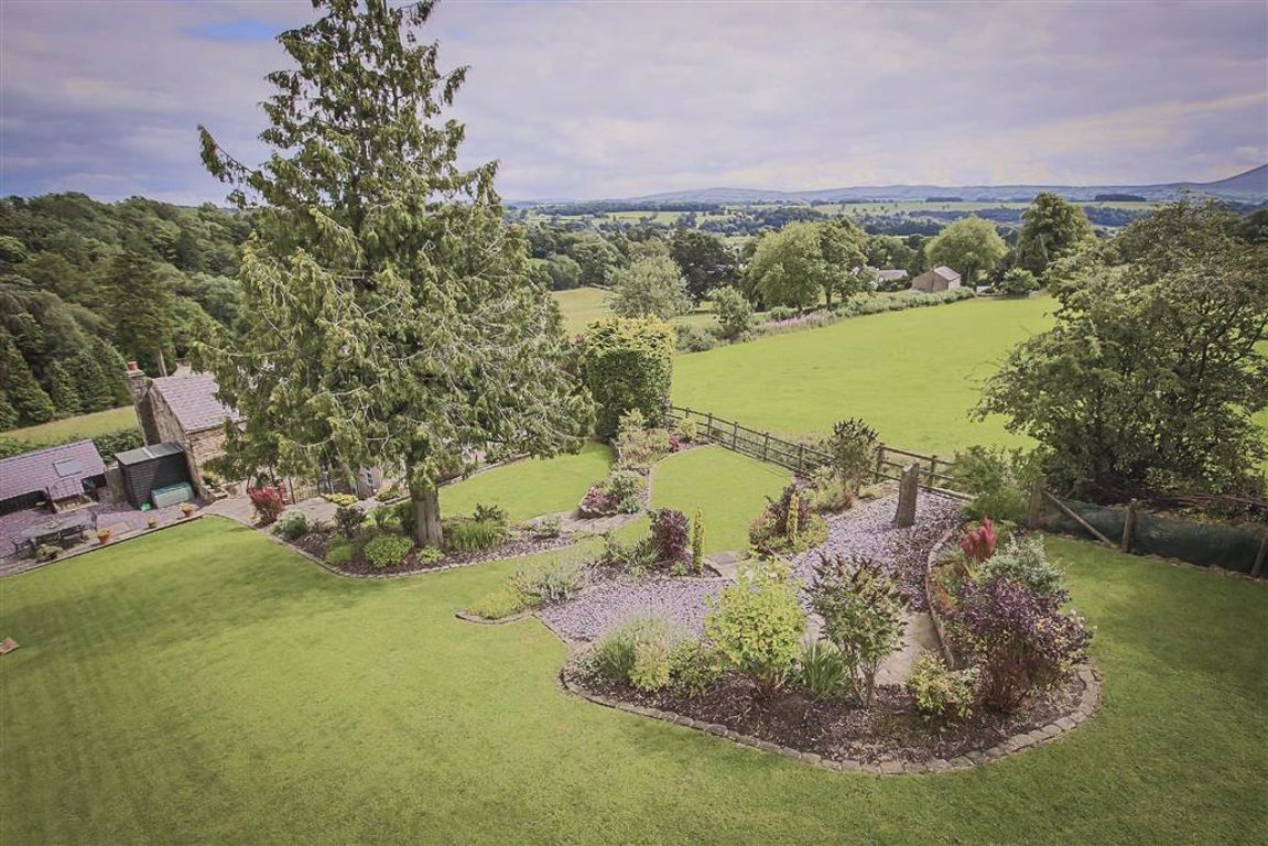 4 Bedroom Farmhouse For Sale - Image 31