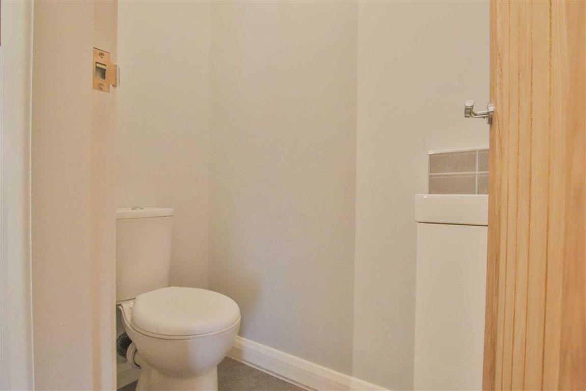 3 Bedroom Detached House For Sale - Image 18