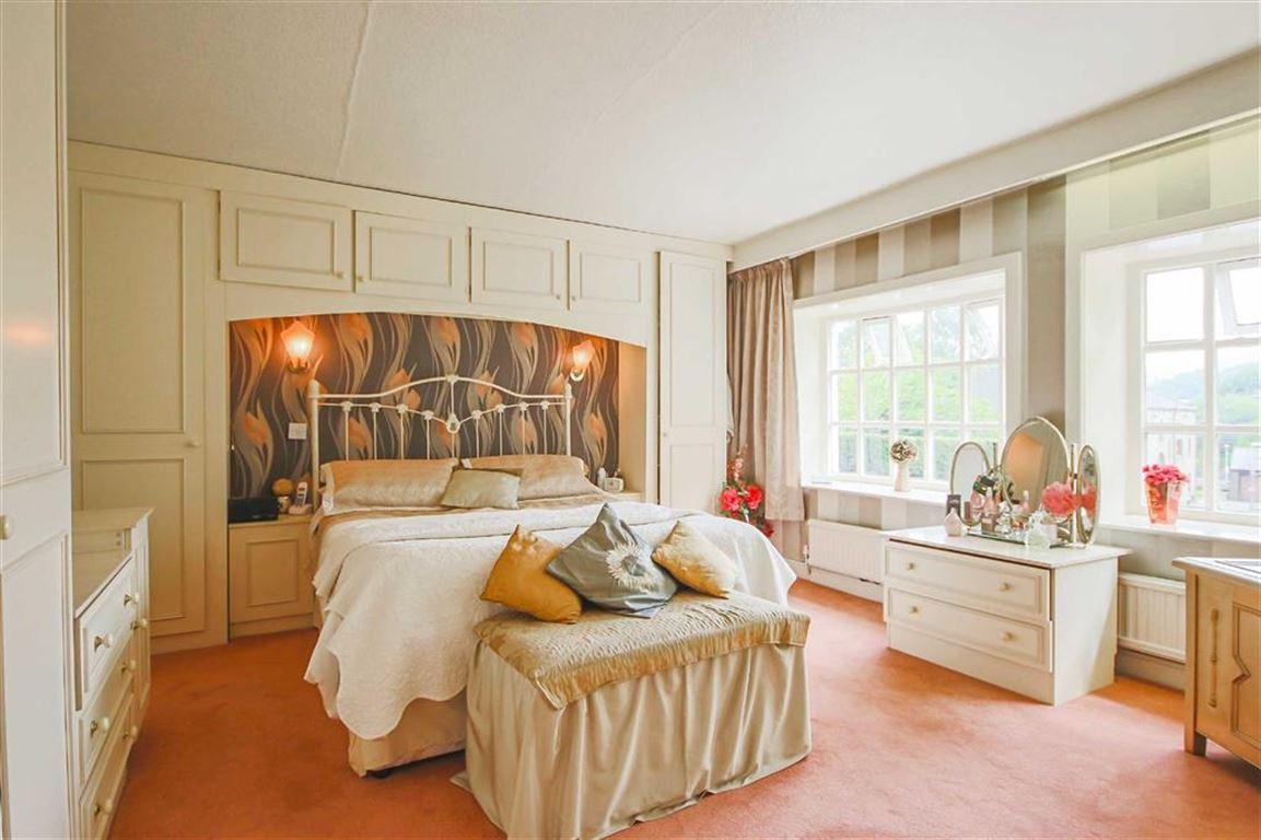 4 Bedroom Detached House For Sale - Image 21