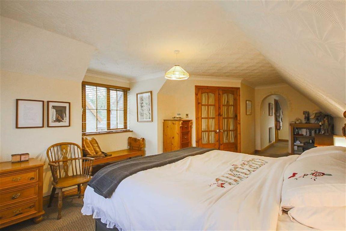 4 Bedroom Detached House For Sale - Image 36