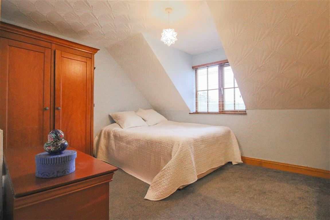 4 Bedroom Detached House For Sale - Image 7