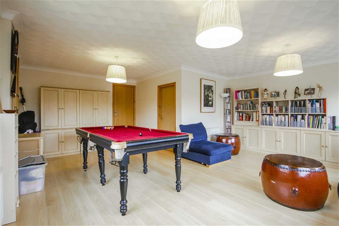 4 Bedroom Detached House For Sale - Image 35