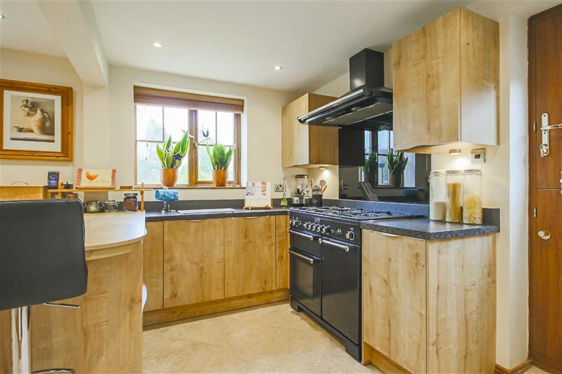 4 Bedroom Detached House For Sale - Image 43