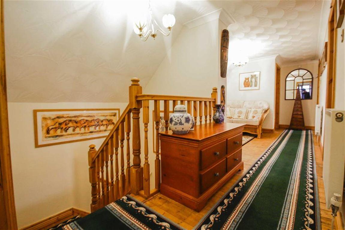 4 Bedroom Detached House For Sale - Image 10