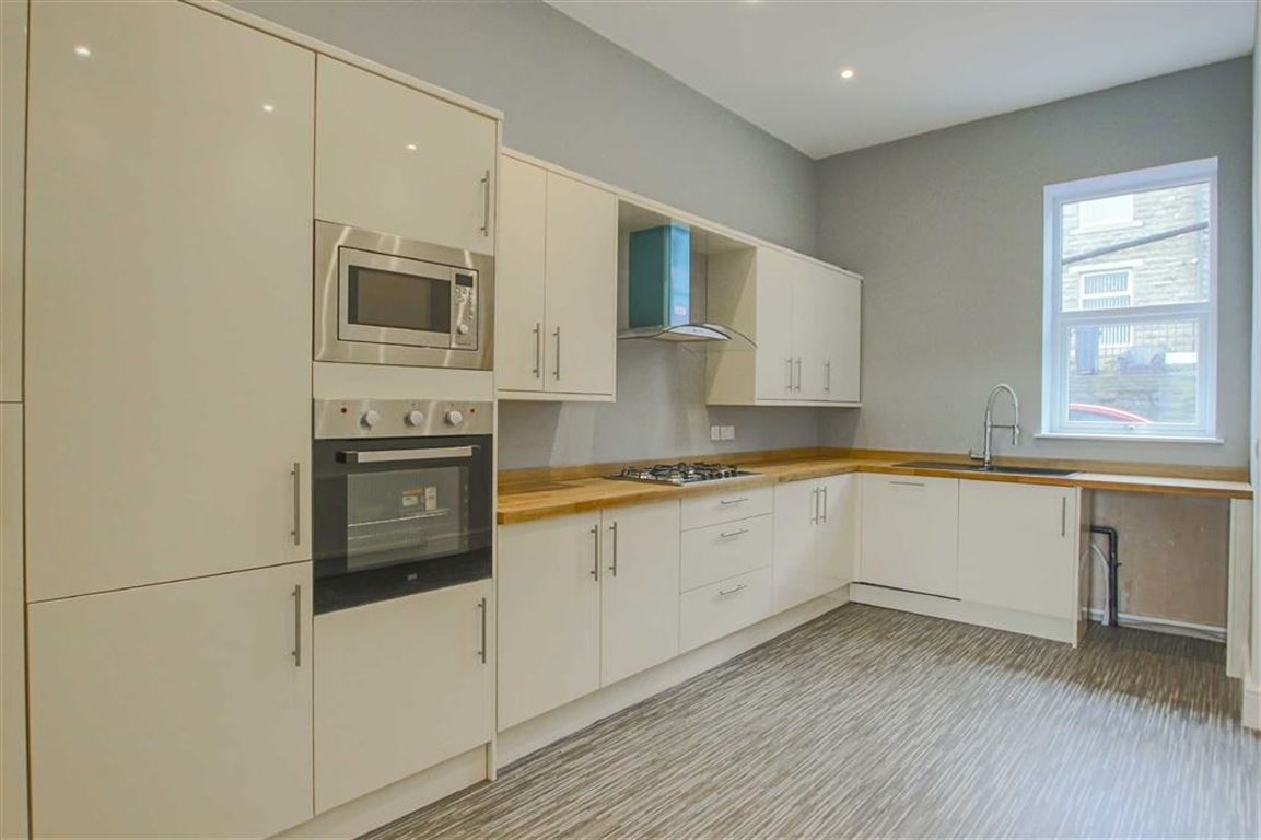 3 Bedroom Terraced House For Sale - Main Image