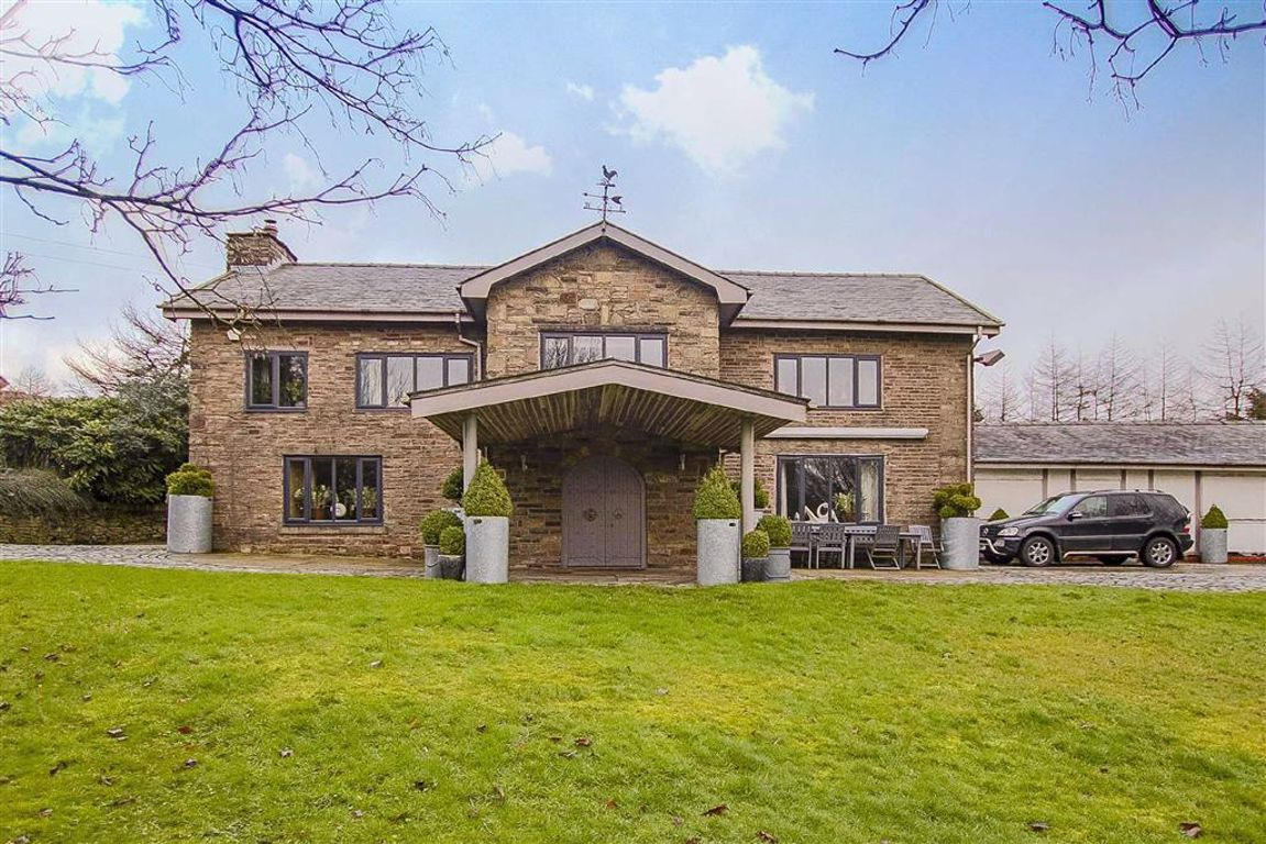 4 Bedroom Farmhouse For Sale - Image 15