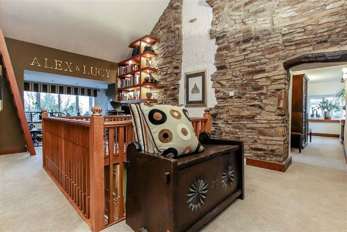 4 Bedroom Farmhouse For Sale - Image 7