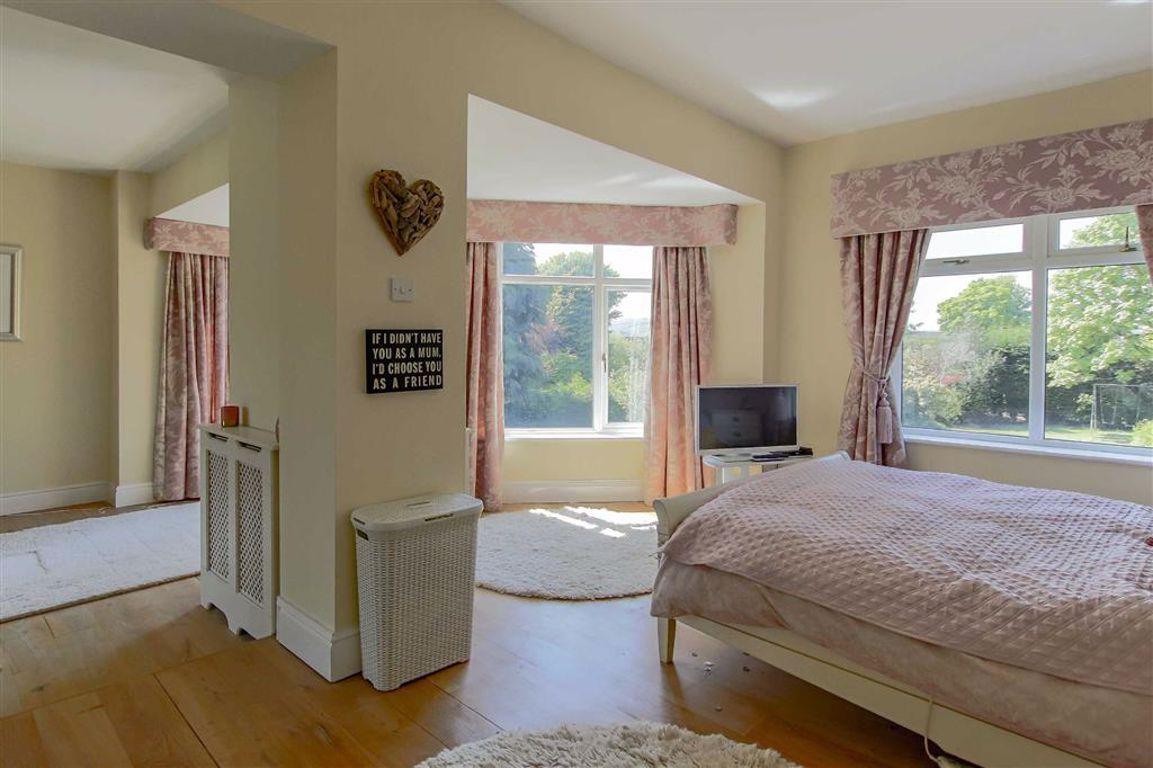 6 Bedroom Semi-detached House For Sale - Image 8